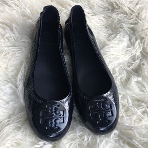 Tory Burch Navy Patent Minnie Travel Flats